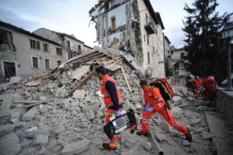 TERREMOTO magnitudo 6.0 nella notte in centro Italia