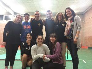 le colleghe Filipetta e Pennica assieme al team di docenti del Corso di Autodifesa di Zola Predosa (BO)