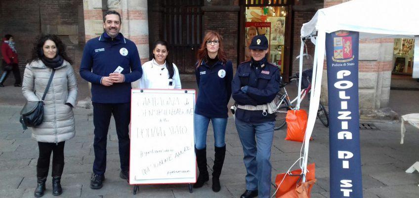 Il freddo non ferma la campagna a fianco della Polizia di Stato
